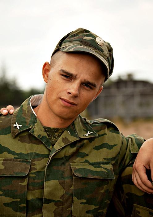 Картинка молодой солдат
